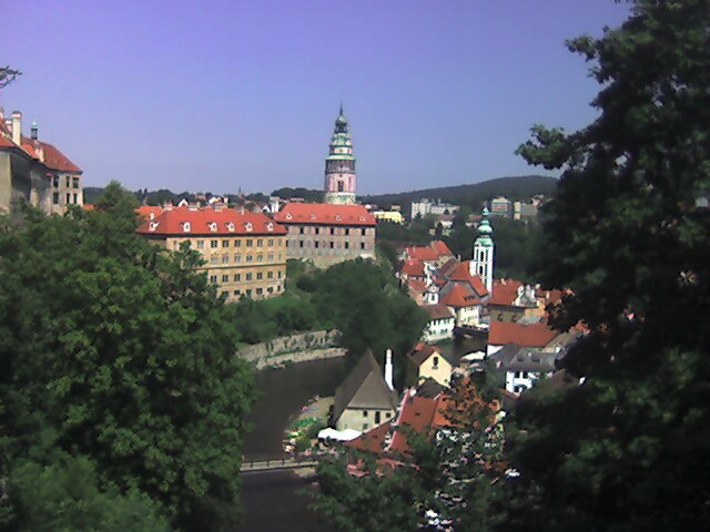 [Looking down on the river in Čestý Krumlov]